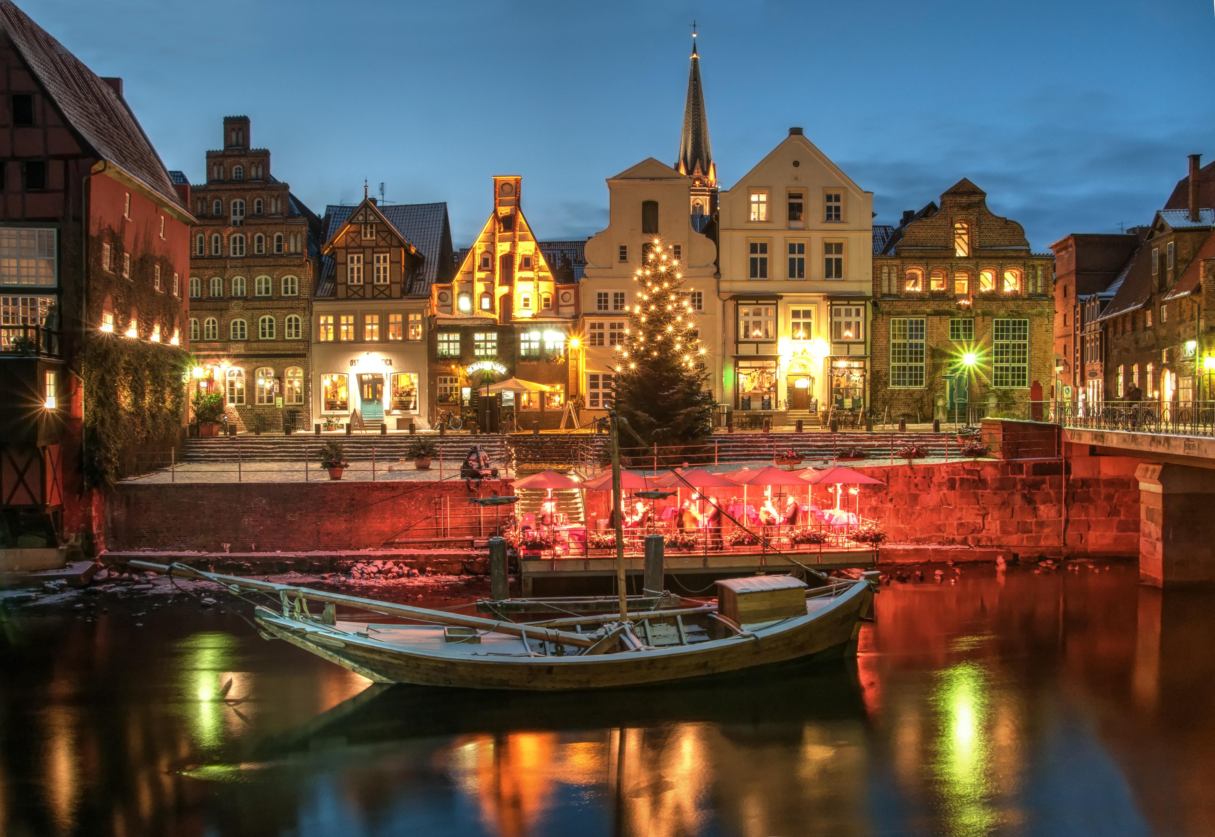 Weihnachtsmarkt Salzwedel.Kaufhaus Lüneburg Weihnachtsmarkt Am Alten Kran